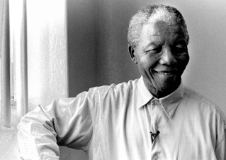 mandelas-return-to-his-cell-on-robben-island-1994